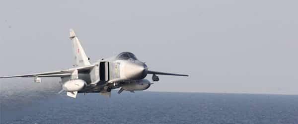 ASV kuģi sastopas ar agresīviem bumbvedējiem no krievijas