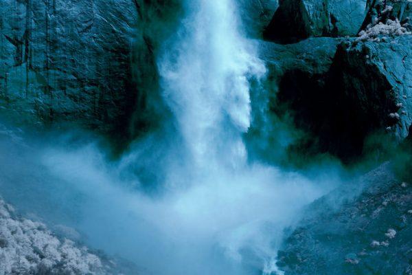 Yosemite nacionālais parks caur infrasarkano fotogrāfiju